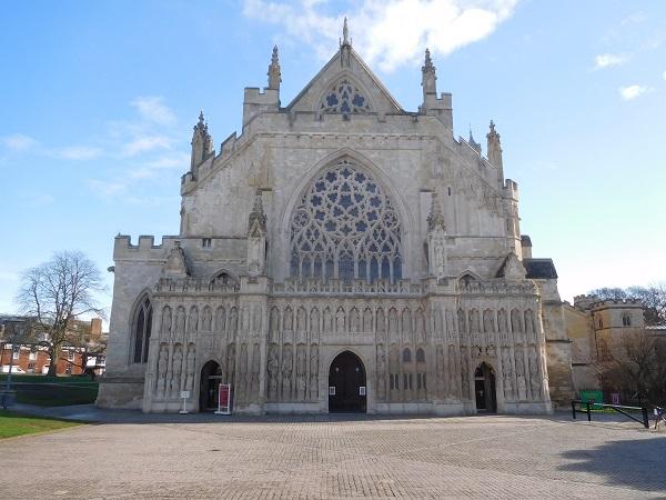 Cathedral Yard – Qualified Stonemason